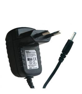 Alimentador Universal para cámaras de 12 Voltios 1 Amperio